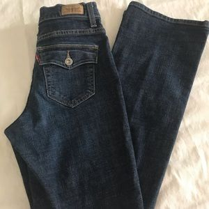 Perfectly Slimming Bootcut Levi Jeans